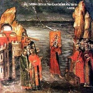 Гавриил идет по воде с Иверской иконой